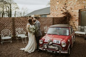 Wool tower Lisa and William 28.12.18, bride and groom, raceview mill, Mini